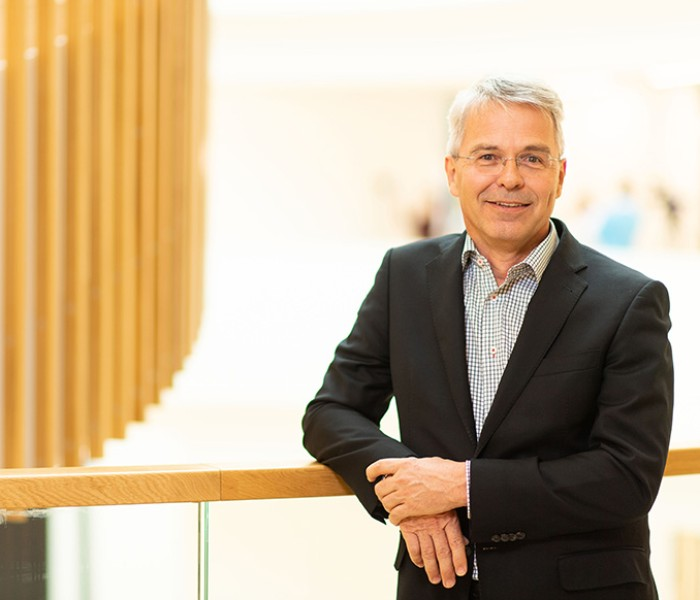 Dr. André Kobelt in an interview about the innovation culture at Heraeus.