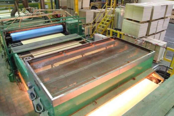 Infrared heat increases quality of chipboard